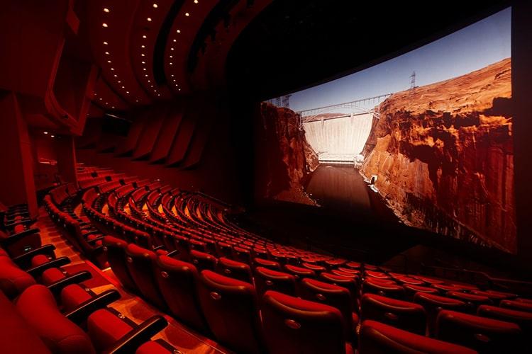 پروژکتور سینمای چیست